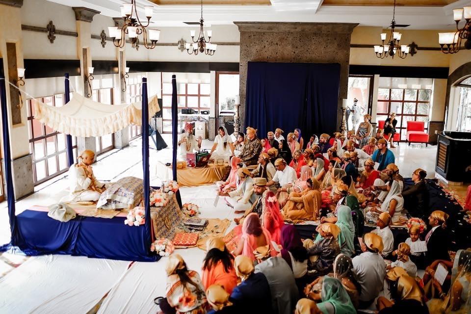 Sikh wedding bride